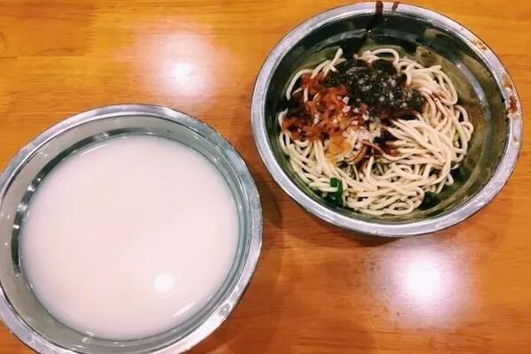 华科大食堂豆浆