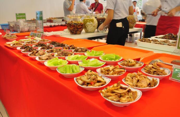 食堂自由餐图片2