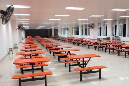 工厂食堂图片