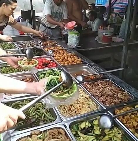 工地8元饭菜图片6