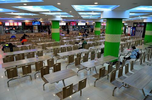 四川:义务教育阶段学校食堂不得对外承包,需自主经营