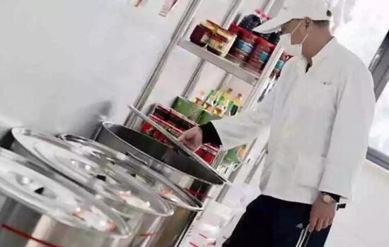 南模中学学生食堂