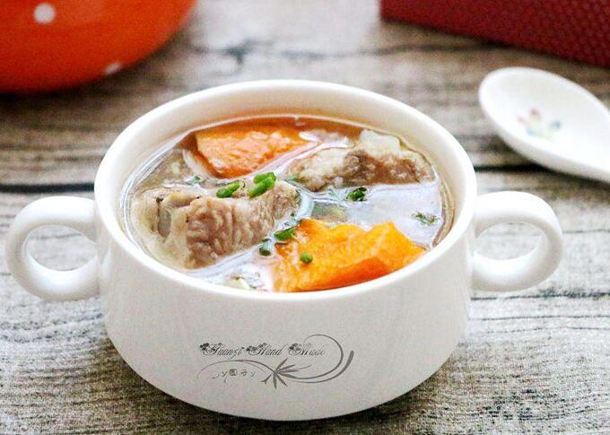瓦罐汤系列:萝卜骨头汤